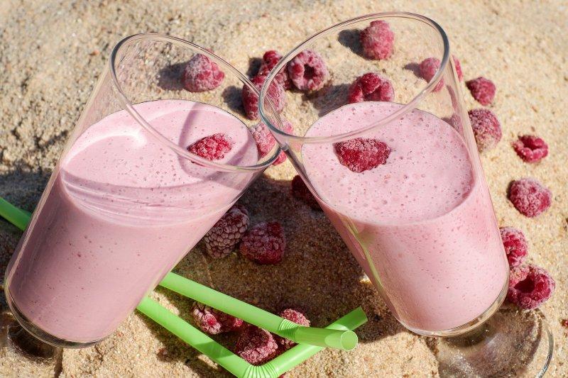 Fruchtige Proteinshakes mit Himbeere
