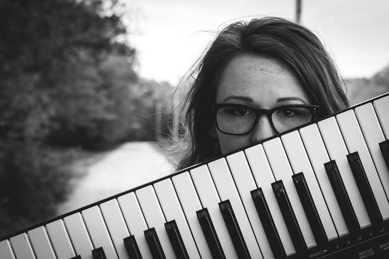 Teenager Keyboard Schwarz Weiß