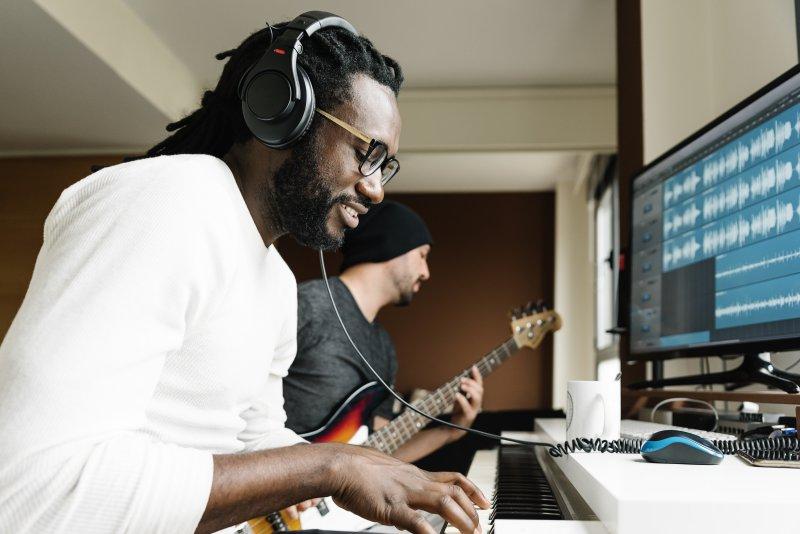 Produzent bei der Aufnahme