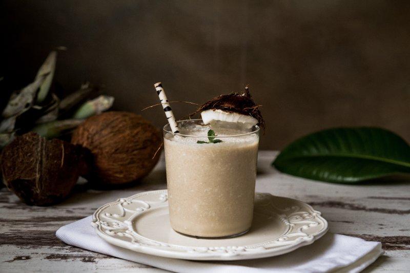 Veganes Proteinpulver mit Kokos