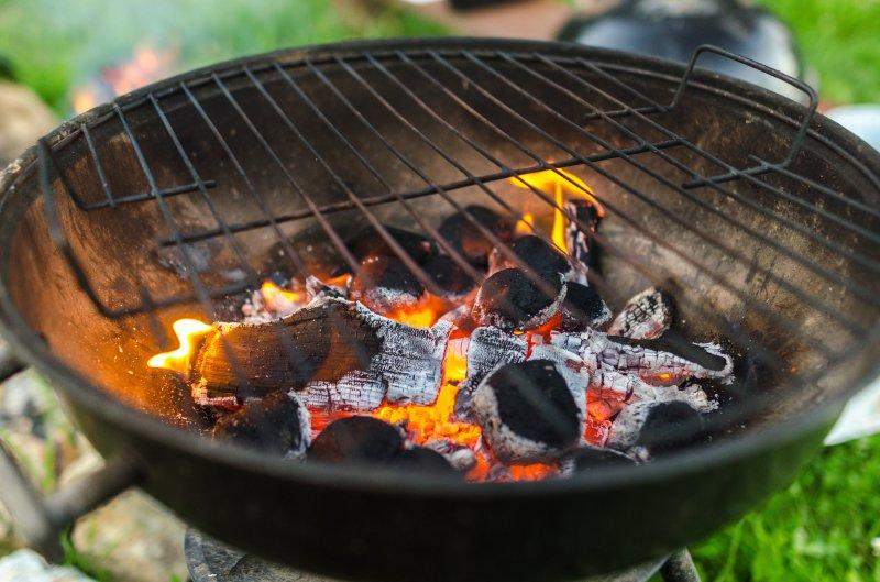 grillrost-glut-feuer