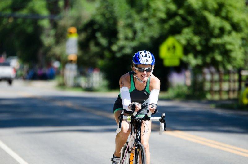 Frau mit Fahrradbrille