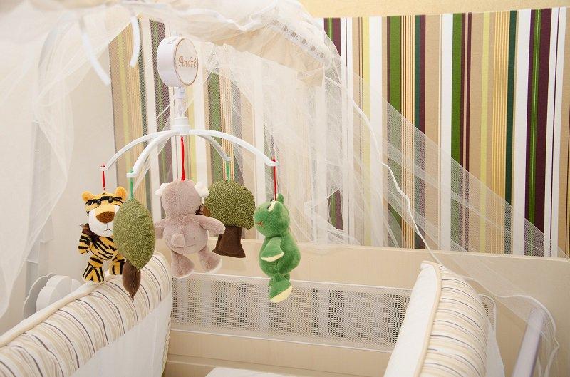 Moskitonetz für ein Babybett