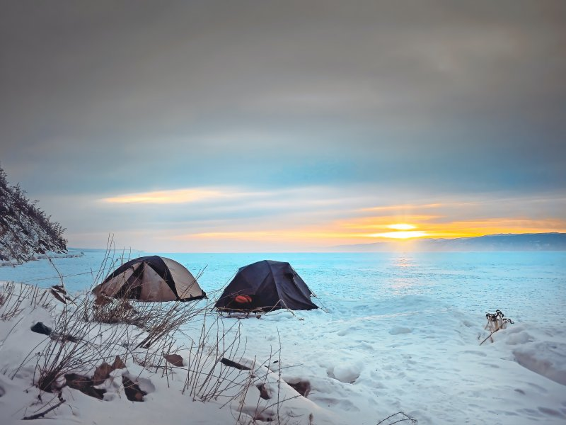 Camping-Expedition im Winter