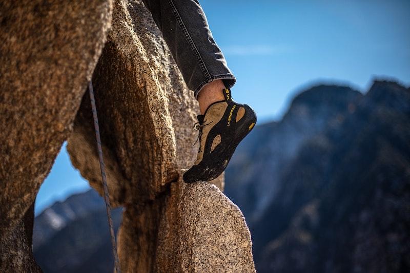 Kletterschuh für das Klettern am Fels