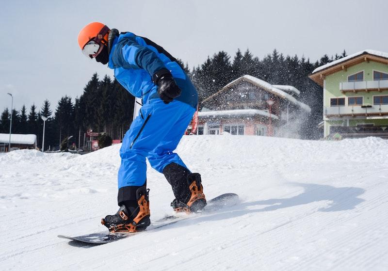 Snowboarder mit Skibrille