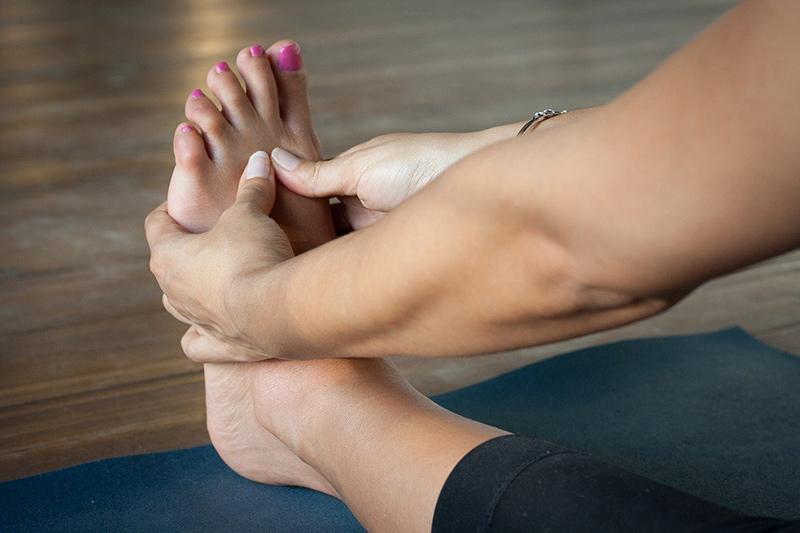 Füße dehnen und trainieren