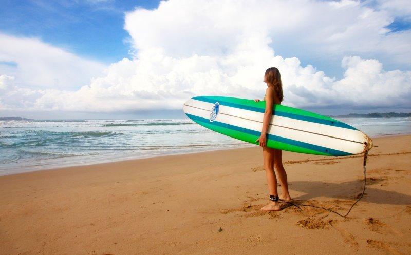 Surfschuhe und Surfbrett Ratgeber
