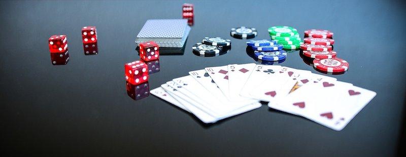Die klassischen Bestandteile eines Pokerkoffers