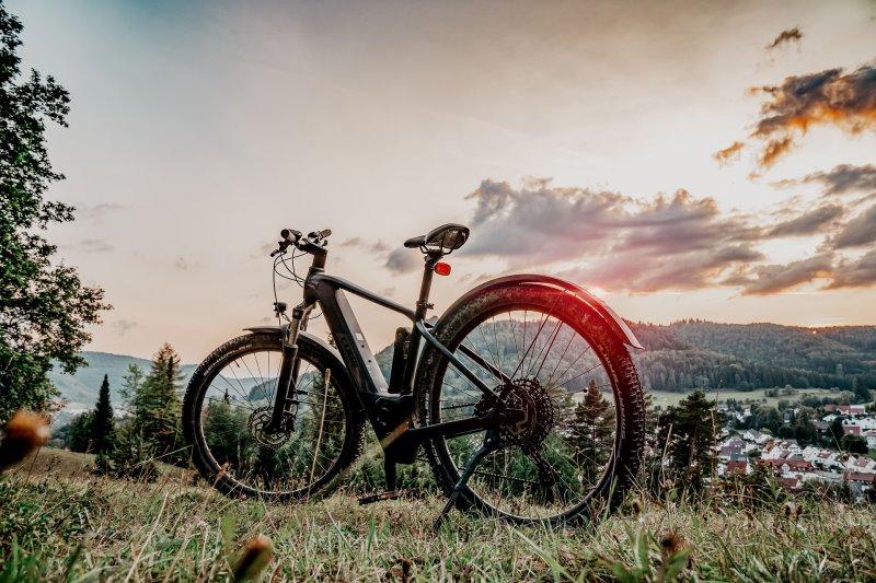 E-Bike unter 1000 Euro am im Herbst oder Winter kaufen