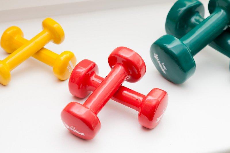 Hanteln mit verschiedenen Gewichten