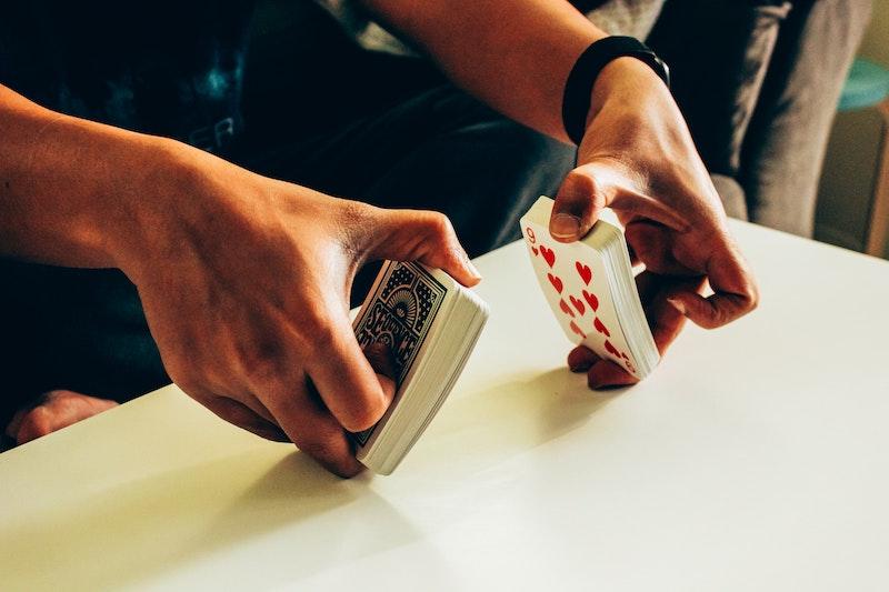 Karten mischen ohne Kartenmischmaschine