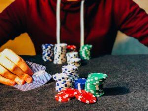 Poker spielen mit Chips