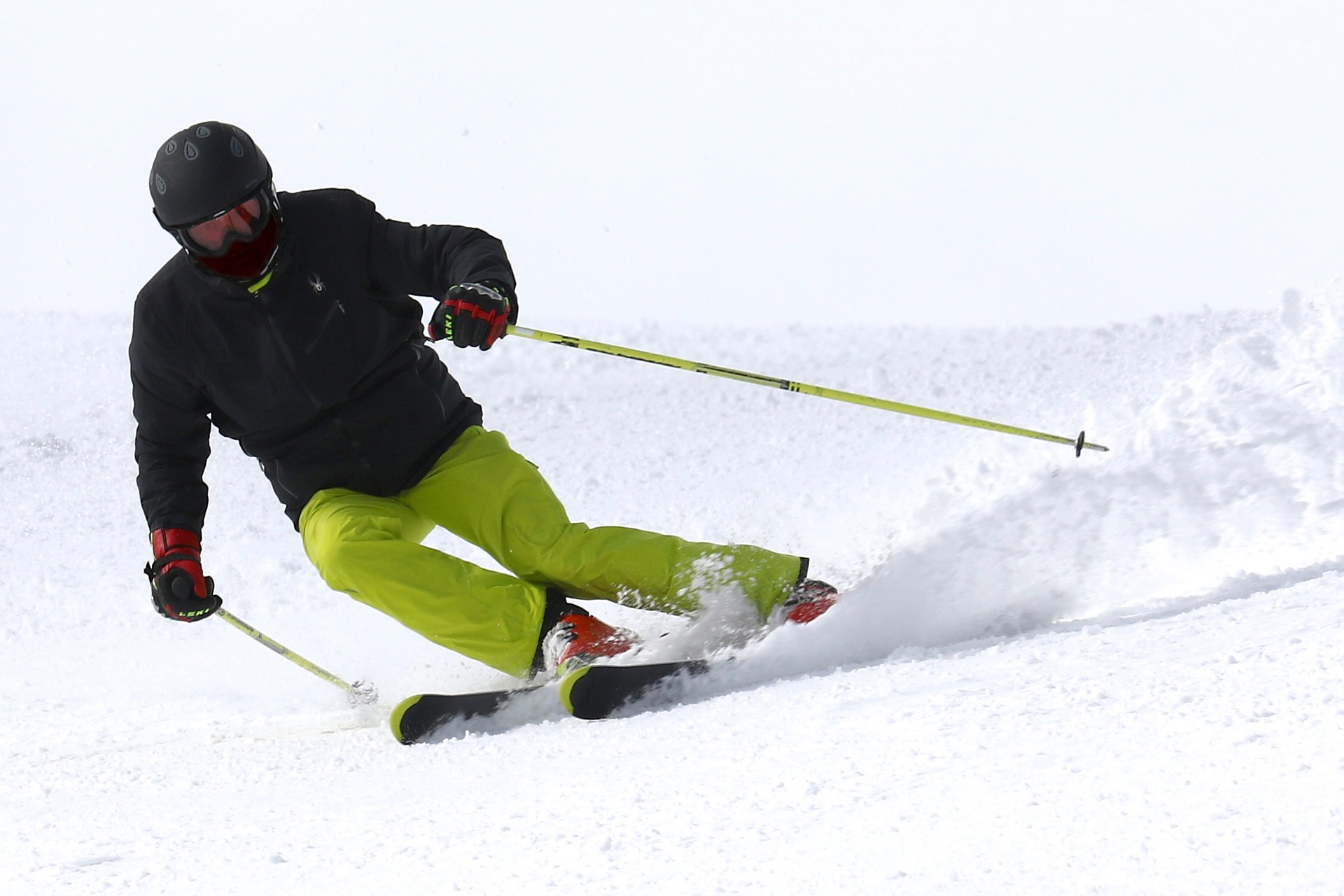 Skihelm beim Skifahren im Test