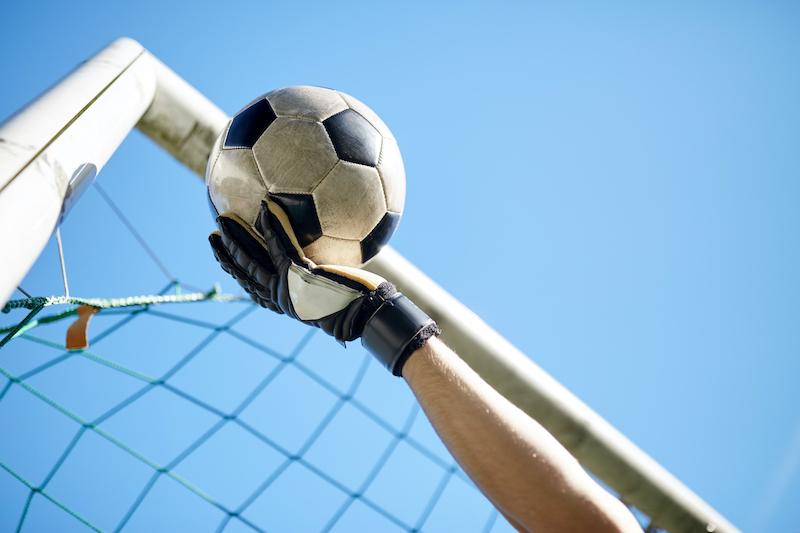 Torwarthandschuhe sollen Dir helfen Dein Tor zu schützen