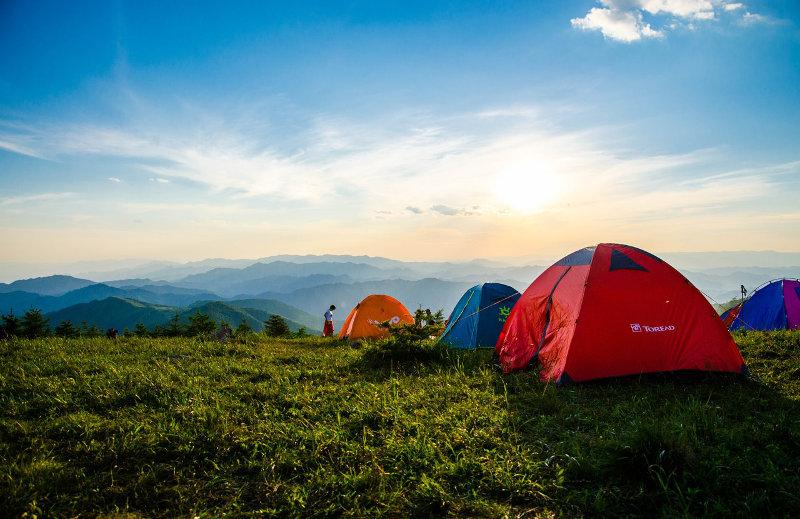 3-Personen-Zelte in den Bergen