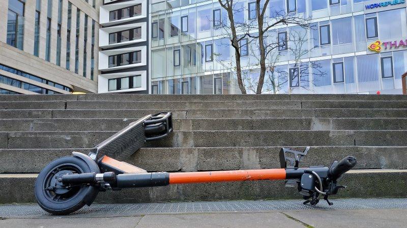 Die Gefahren eines E-Scooters im Test