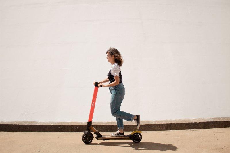E-Scooter in der Stadt im Test