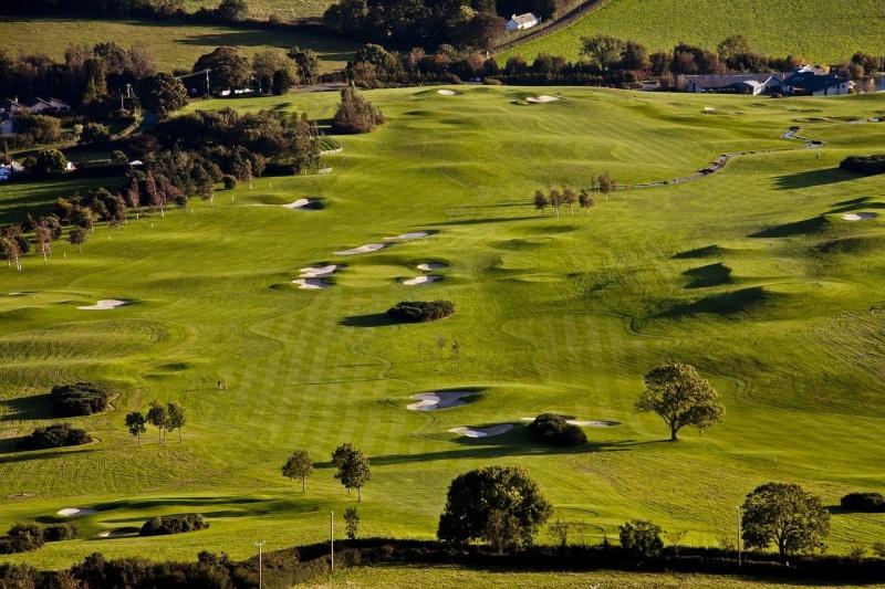 Ein leeres Golf Feld