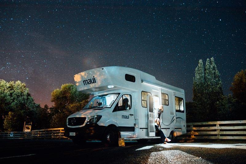 Camping für Anfänger: Wohnmobil am Stellplatz