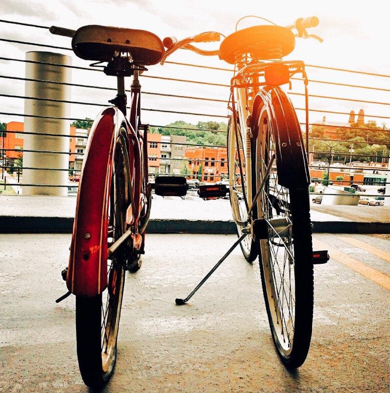 Cityrad-Rahmen im Sonnenlicht