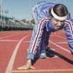 Rennen im Trainingsanzug