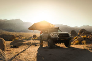 Pickup mit Zelt