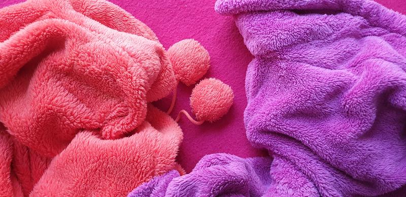 Bunte Fleecestoffe nebeneinander