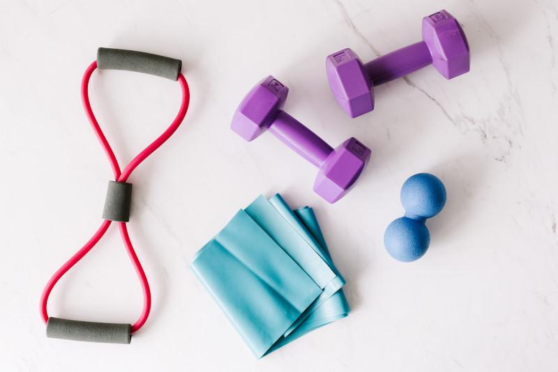 Verschiedene Fitnessequipments