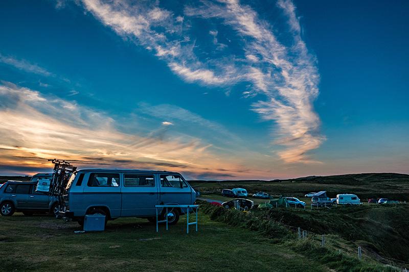 Camping auf einer Wiese