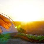Deckenschlafsack Campingplatz mit Zelt