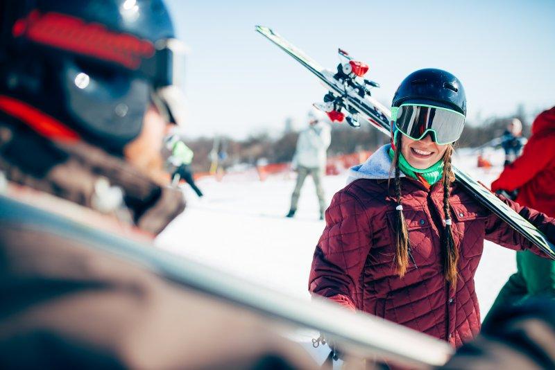 Skischuhtasche als Set zum Transport von Skiern