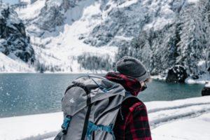 Wasserdichter Rucksack im Schnee
