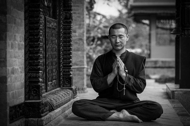 Yogi mit Gebetskette