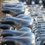 Große Auswahl an Fahrradsatteln für lange Touren