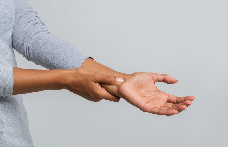 Handgelenktraining mit Liegestützgriffen