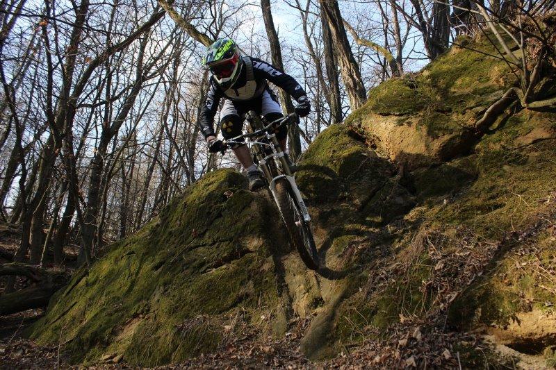 MTB-Radfahrer Downhill Modalität
