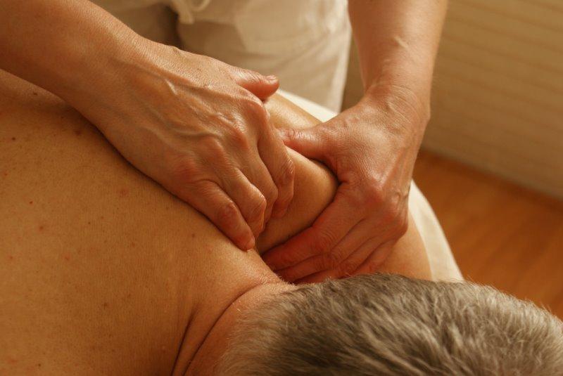 Massage als Funktion des Muskelstimulationsgeräts