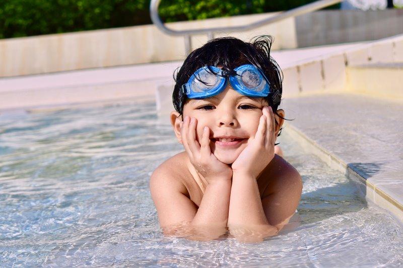 Schwimmgürtel mit Schwimmbrille