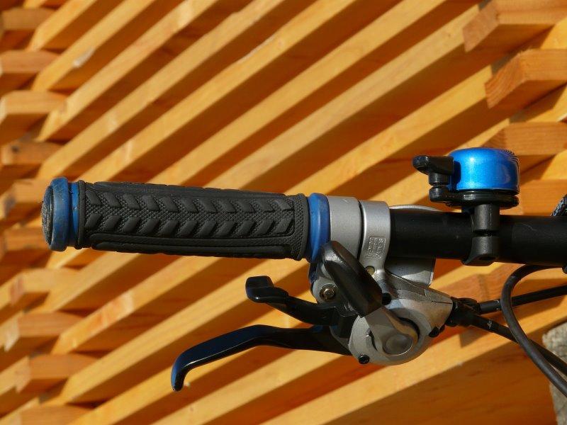 Downhill Lenker bieten Platz für eine Klingel.