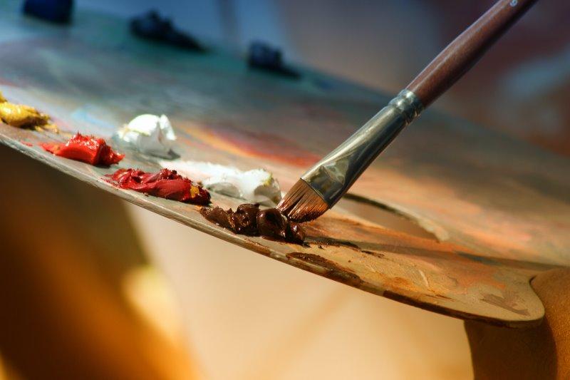 Dickflüssige Farbe zum Malen auf Staffelei
