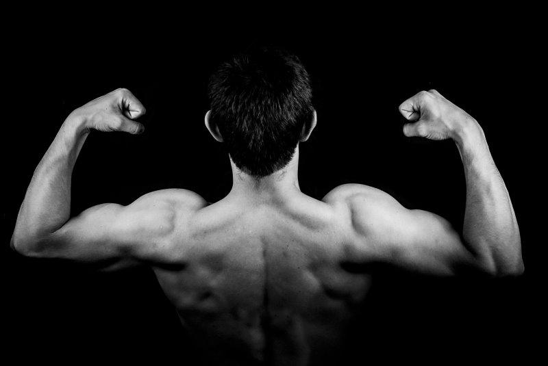 Rücken, Arme und Schultern nach Training mit der Trap Bar Hantelstange