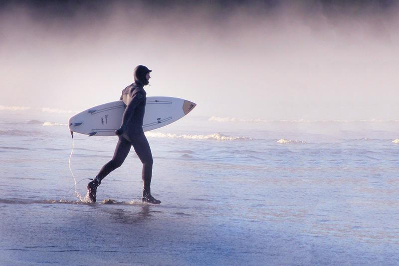 Neoprenanzug beim Surfen