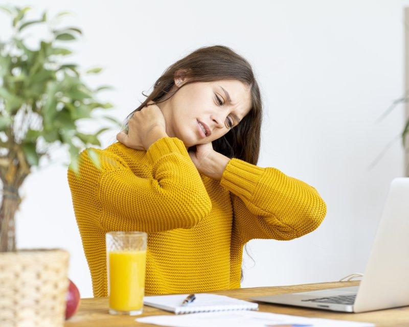 Nacken- und Rückenschmerzen am Arbeitsplatz