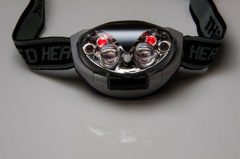 Eine Stirnlampe mit Rotlicht