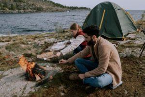 Camping mit Windschutz