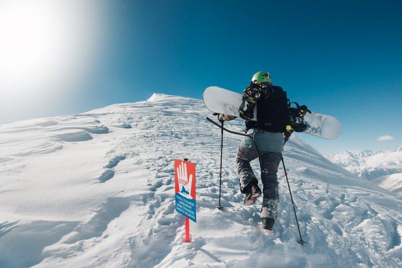 Lawinenschaufel mit auf Skitour