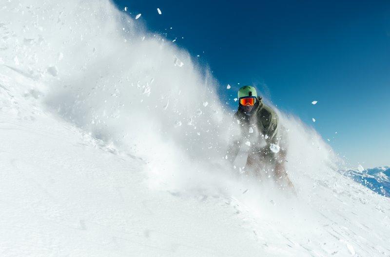 Auf Skitour und Freeride mit Lawinenschaufel