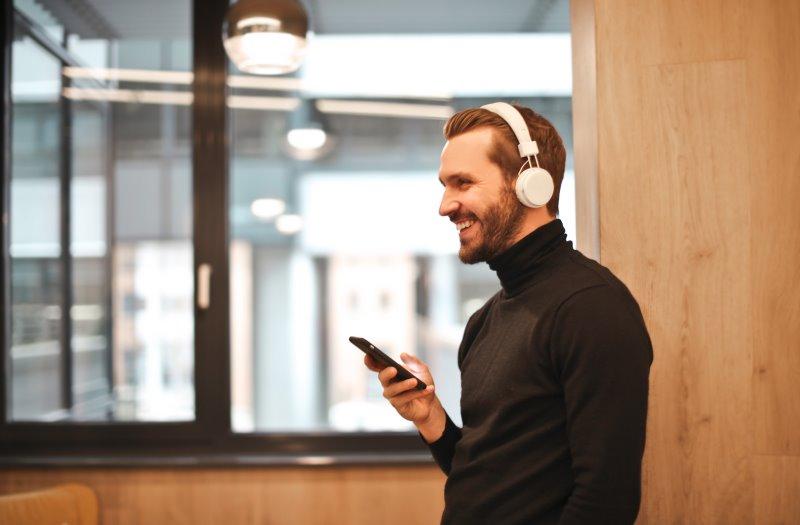 Bluetooth-Kopfhörer zu Arbeitszwecken