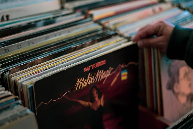 verschiedene Musikschallplatten